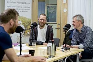 Bild från poddens inspelning med Jonas Nilsson, Mikael Mildén och demensforskaren Krister Håkansson.
